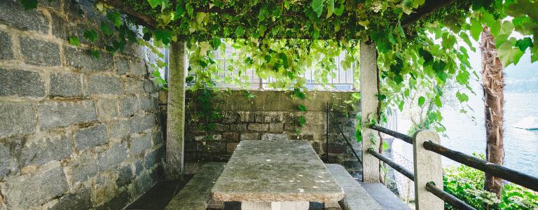 Hanging garden pergola